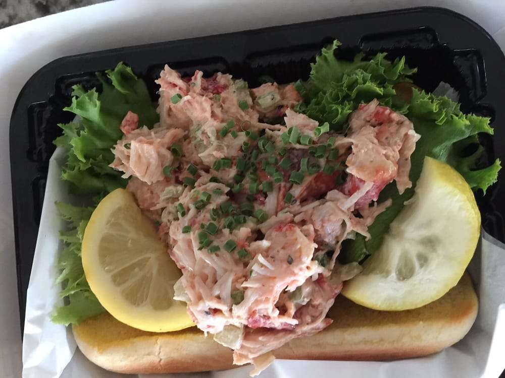 Louisvilles Best Patios - The Lobster Roll at the Fishery - best seafood in louisvile
