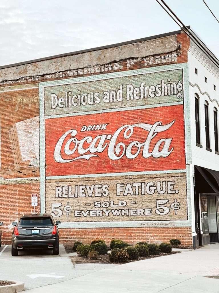 Coca Cola mural in owensboro kentucky, Weather in owensboro, restaurants in owensboro ky, things to do in owensboro kentucky, free things to do in owensboro ky