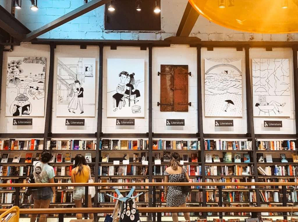 best bookshops in nyc - - beautiful bookstores in the usa