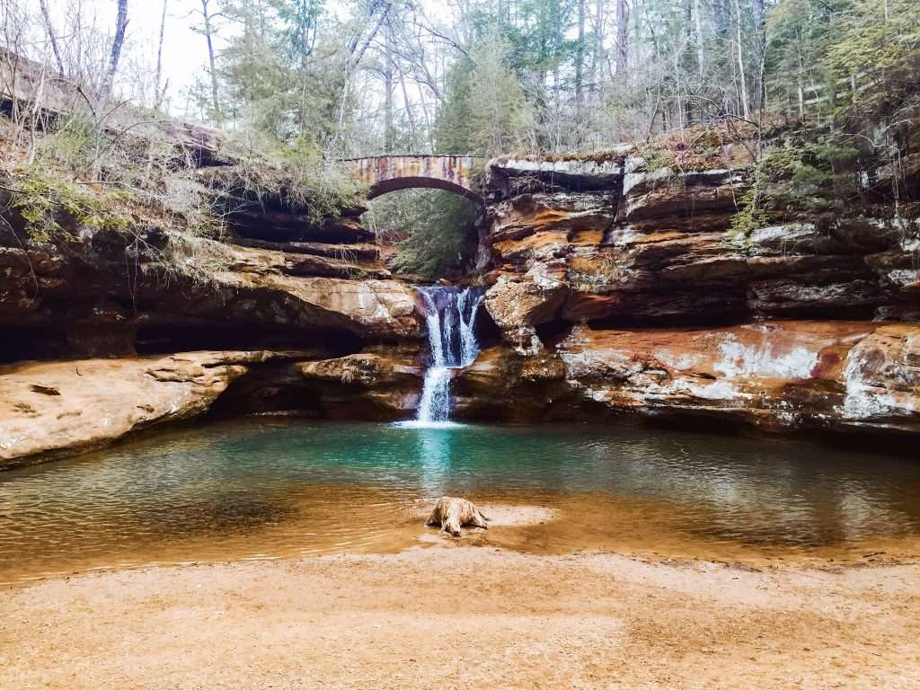 Hocking Hills state park - Ohio -  Best Places to Hike In The US, Best Family Budget Vacations, Best Hikes US, Best USA Hikes, Hiking Destinations, Underrated vacation spots USA