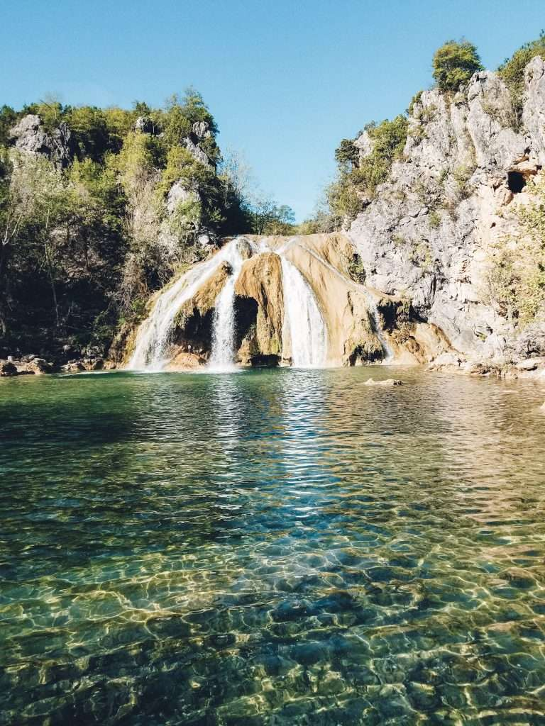 Turner Falls State Park Oklahoma -  Best Places to Hike In The US, Best Family Budget Vacations, Best Hikes US, Best USA Hikes, Hiking Destinations, Underrated vacation spots USA