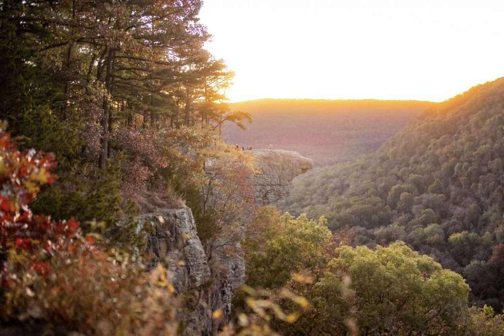Hawksbill Point in Arkansas -  Best Places to Hike In The US, Best Family Budget Vacations, Best Hikes US, Best USA Hikes, Hiking Destinations, Underrated vacation spots USA