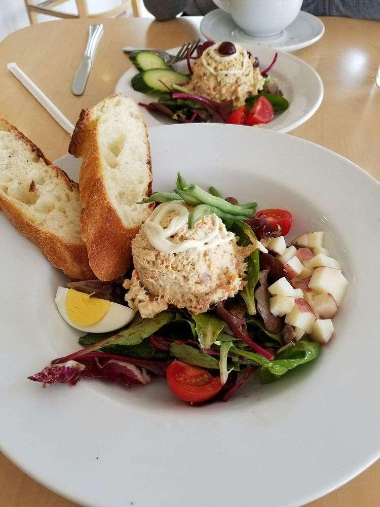 Claffe Classico - The Tuna Nicoise Salad - healthy restaurants in Louisville, Keto restaurants in Louisville,