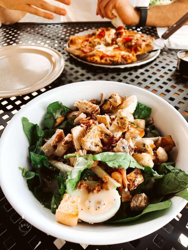 Saint's Pizza - healthy restaurants in Louisville, Keto restaurants in Louisville, The best salads in Louisville
