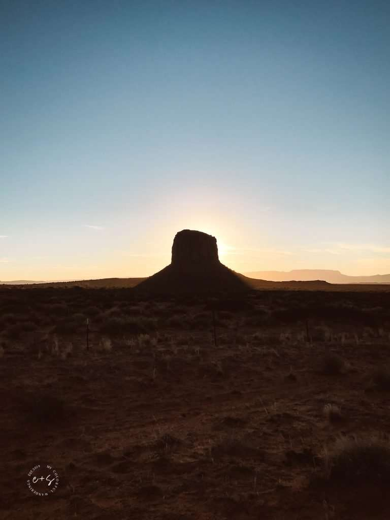 hiking trails in monument valley