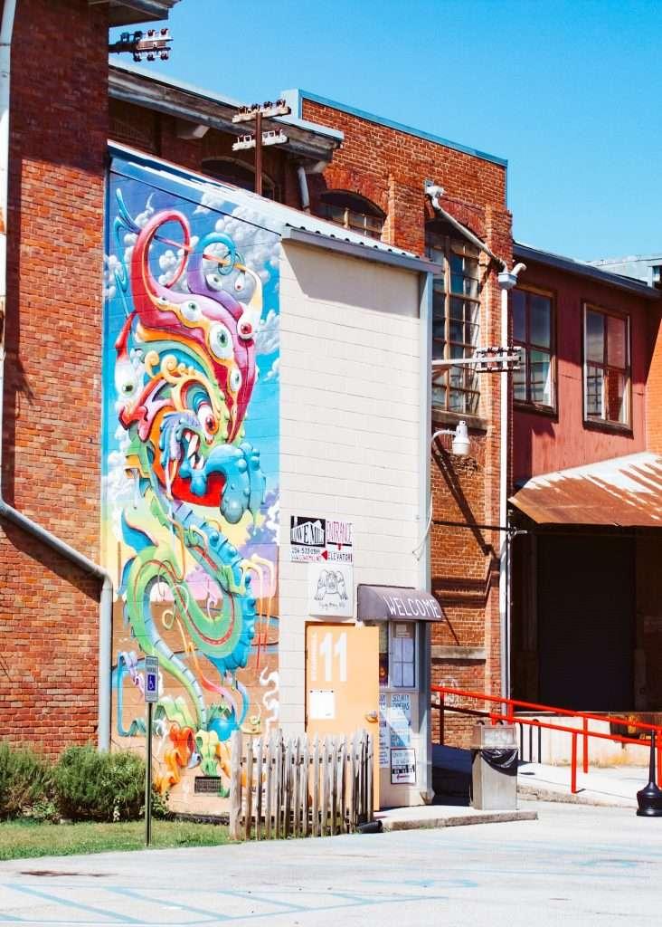 lowe mill mural huntsville, alabama | best murals in huntsville alabama | Huntsville Alabama Itinerary | What To do in huntsville alabama | Fun things to do in Huntsville Alabama